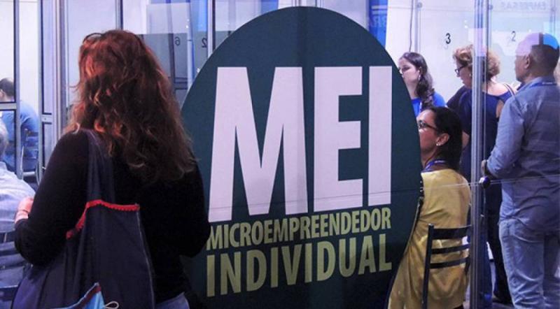 Senado aprova inclusão de jornalista como microempreendedor individual