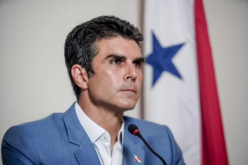 Senadores bolsonaristas da CPI buscam mensagens de empresário para incriminar Helder