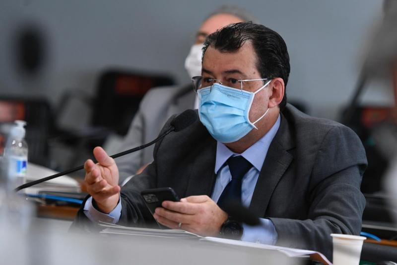 'Não podemos perder mais vidas por equívocos de orientação do Ministério da Saúde', alerta Braga