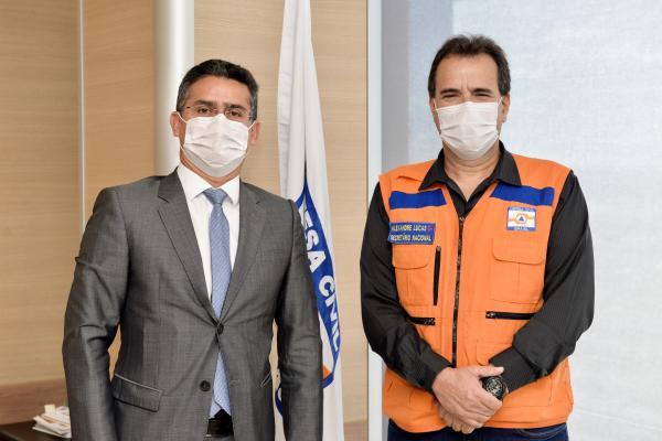 Prefeito de Manaus irá decretar estado de emergência e anuncia apoio federal para 8 mil famílias
