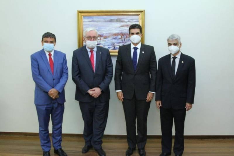Governo do Pará reúne com embaixador russo para que Anvisa libere Sputnik V