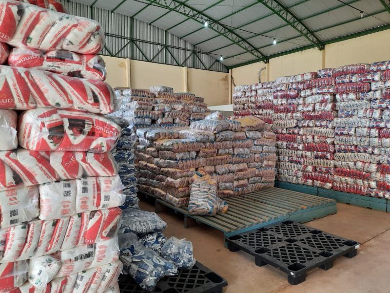 Mais de 50 toneladas de kits alimentação são entregues a alunos do planalto Curuá-Una, em Santarém
