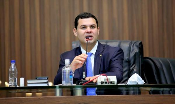 Por falta de provas, TRE/AM nega pedido a Amadeu Soares para cassar mandato de Saullo Vianna