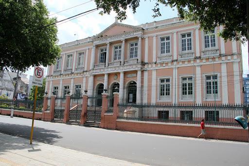 Sinteam pede à Justiça suspensão de retorno das aulas presenciais no Amazonas