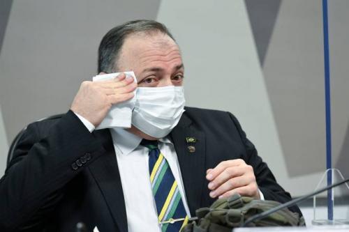 Dois ofícios mostram que Pazuello preferiu contar mortos ao socorrer Manaus