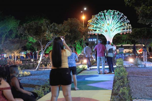 Em Manaus, 'Bola das Letras' é entregue totalmente revitalizada