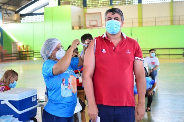Maués inicia vacinação de pessoas com mais de 40 anos