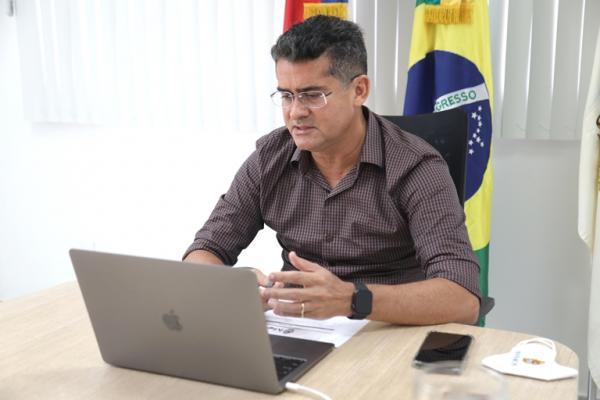 Prefeito de Manaus cobra segurança do Estado e pede Exército nas ruas