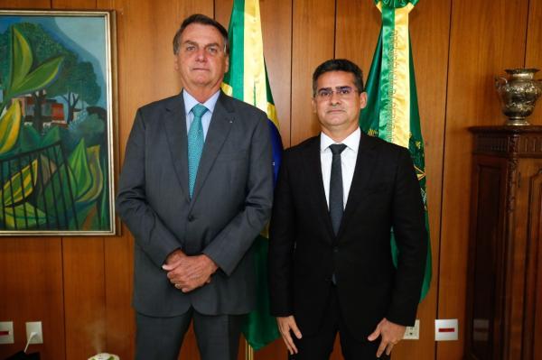 Bolsonaro garante à David recursos para combater efeitos da cheia e pandemia em Manaus