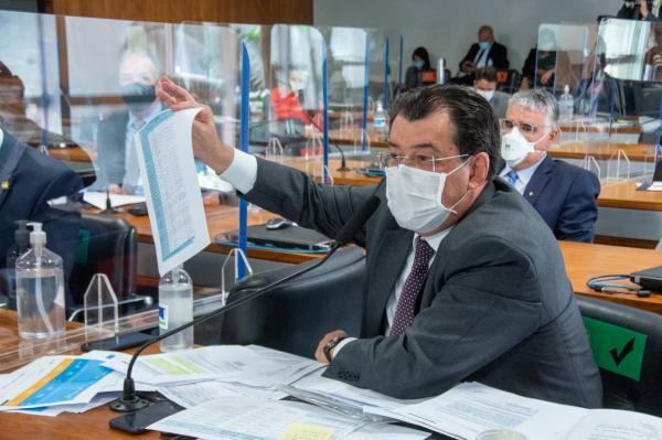 Braga mostra documentos que White Martins alertou governo do AM em julho de 2020