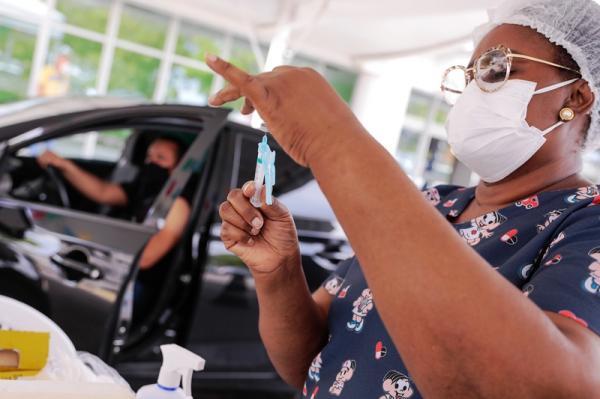 Manaus vacina pessoas de 38 e 39 anos contra a Covid, a partir desta quinta (17)
