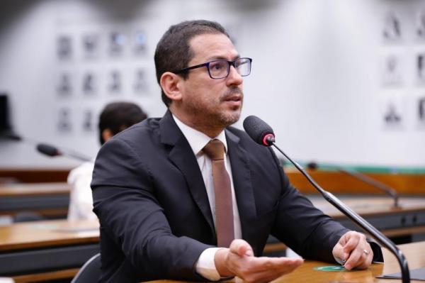 Vice-presidente da Câmara diz que superpedido de impeachment 'parece bem consistente'