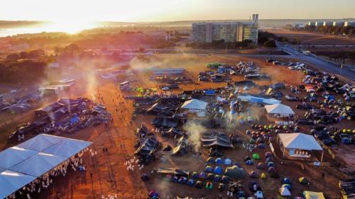 6 mil indígenas acampam em Brasília e marcham até o STF contra marco temporal