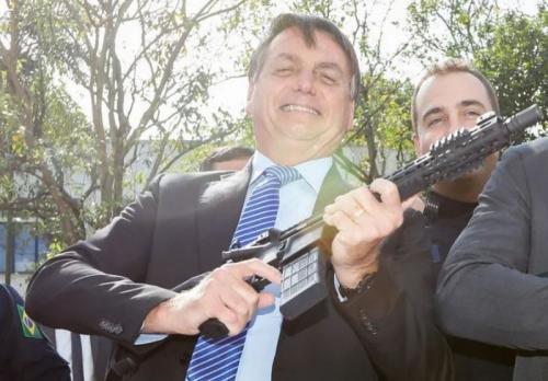 STF deve derrubar decretos de Bolsonaro sobre armas