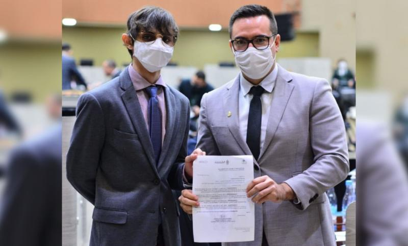 Amom e Rodrigo Guedes vão à Justiça contra 'puxadinho' de R$ 32 milhões da Câmara de Manaus