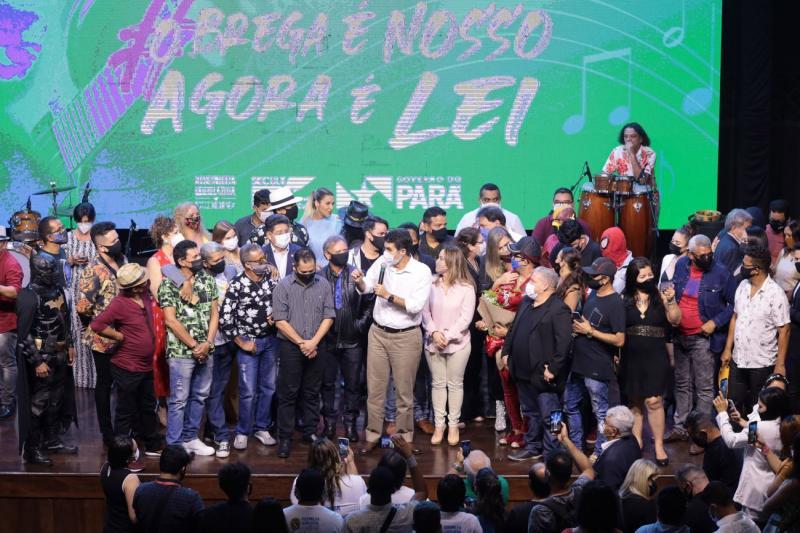 Governador sanciona lei que torna 'Brega' patrimônio cultural e imaterial do Pará