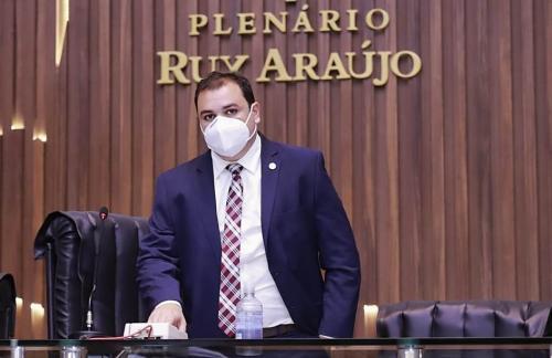Deputados de oposição pedem que Roberto Cidade paute impeachment do governador