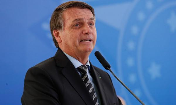 Bolsonaro veta distribuição gratuita de absorventes para mulheres de baixa renda