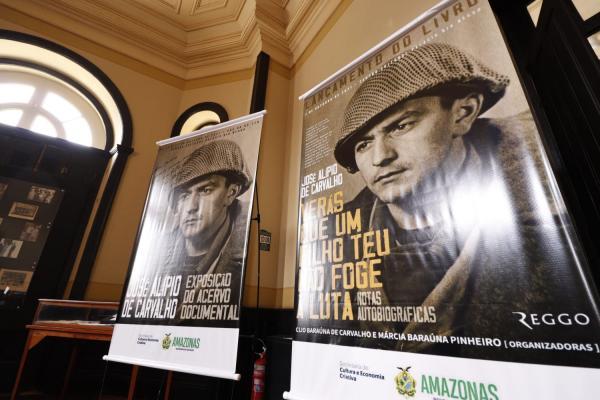 Livro com memórias de coronel que lutou na Segunda Guerra é lançado em Manaus
