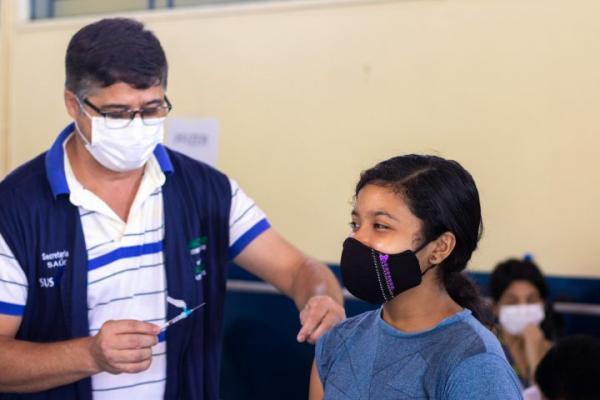 Manaus começa a aplicar segunda dose em adolescentes neste sábado (9)