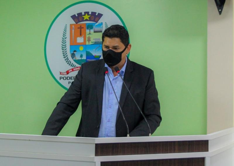 Bi Garcia diz estar disposto ao diálogo, mas reitera que Prefeitura não deve nada ao Padre Colombo
