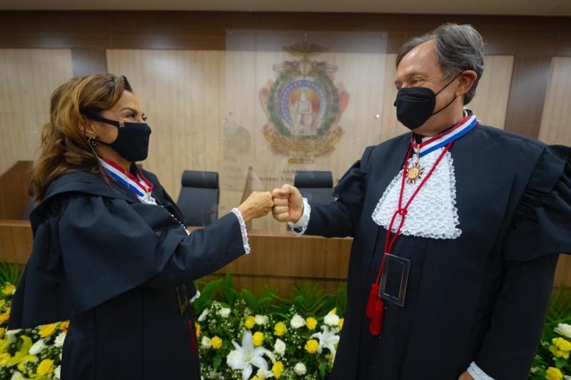 TJAM dá posse aos desembargadores Mirza Cunha e Cezar Bandiera