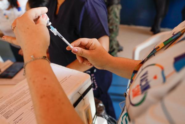 Vacinação contra a Covid-19 em Manaus tem 39 pontos nesta quarta (13)