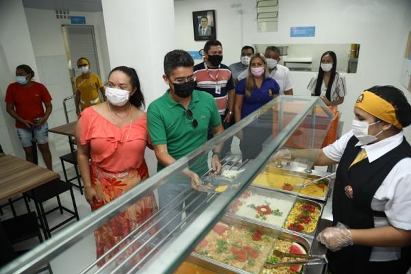 Prefeitura de Manaus inaugura restaurante popular no 'Viver Melhor'