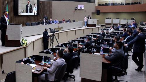 Câmara aprova aumento da taxa de iluminação pública em Manaus