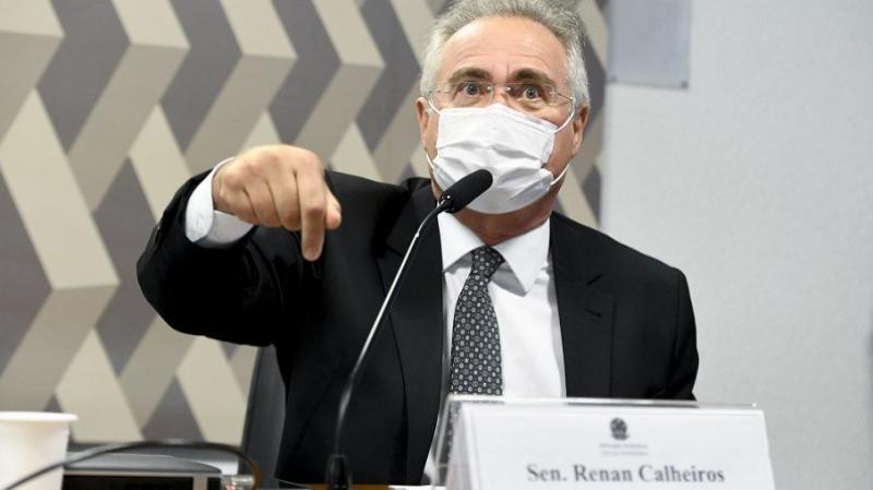 Renan pede banimento de Bolsonaro das redes sociais