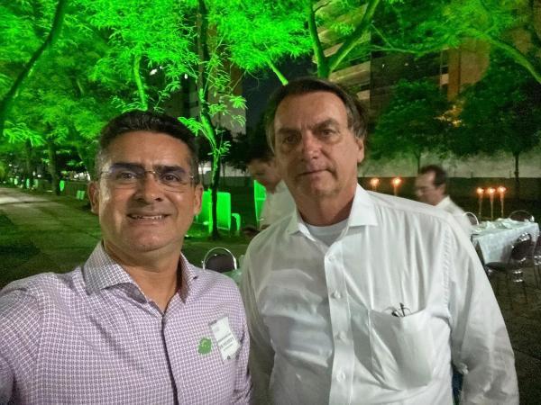 David Almeida janta com Bolsonaro, na casa de Pazuello, em Manaus