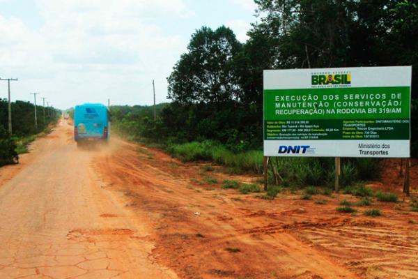 Omar Aziz volta a pedir liberação de obras da BR-319 e segurança nas fronteiras