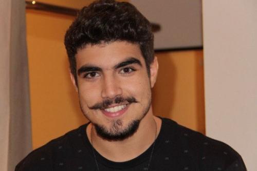 Após agressão, Caio Castro poderá indenizar fotógrafo em R$ 100 mil