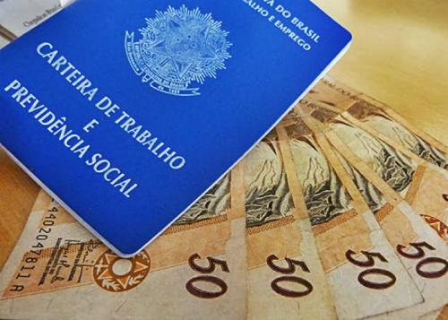 Governo propõe salário mínimo de R$ 979 para o próximo ano