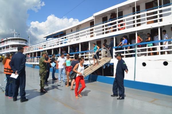 Marinha agenda inspeção de barcos que vão trafegar durante festival de Parintins