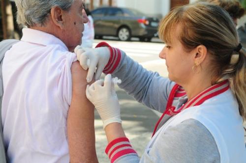Governo libera vacinação contra a gripe para toda a população