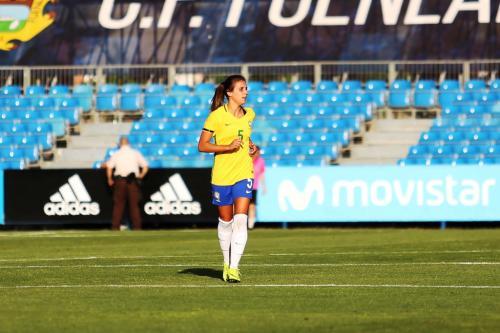 Capitã do Iranduba, Djenifer estreia pela seleção brasileira