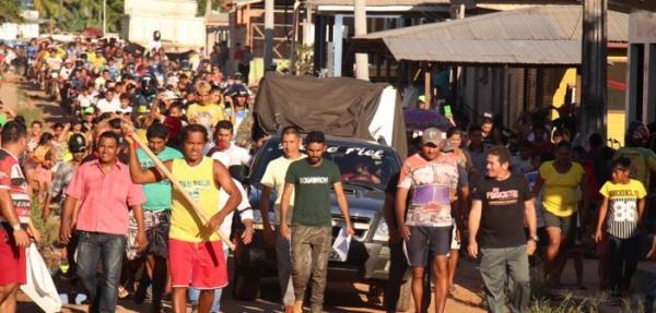 """Protestos contra prefeito em Fonte Boa :""""Fora Biquinho"""""""