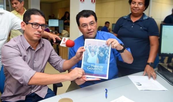 Braga registra candidatura no TRE e fala sobre UEA