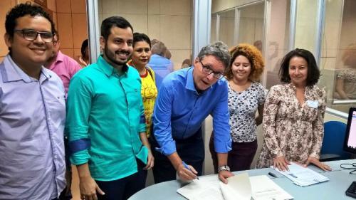 Luiz Castro registra candidatura ao Governo do Estado pela Rede-Psol