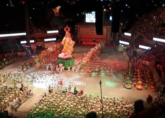Romaria vermelha abre espetáculo da 3ª noite do Garantido
