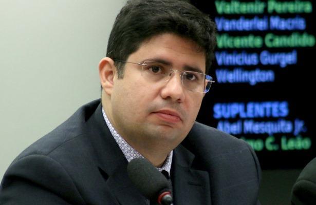 CCJ aprova projeto de Hissa que 'blinda' a Zona Franca