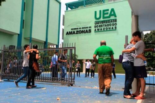 UEA pede atenção com os documentos para a isenção da taxa de inscrição do vestibular