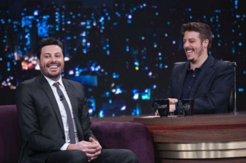 Em encontro raro de apresentadores de talk show, Porchat entrevista Gentili