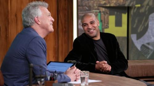 Adriano se emociona e admite que poderia ter feito muito mais no futebol