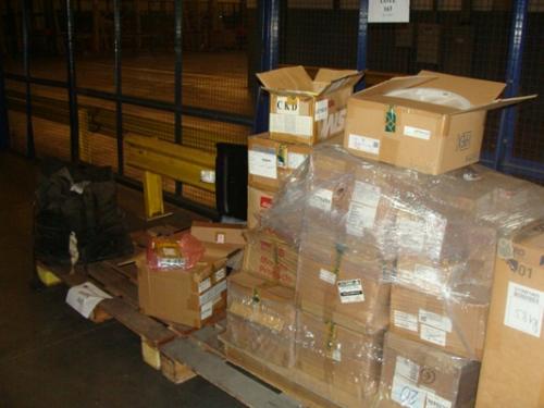Receita Federal faz leilão de mercadorias apreendidas no aeroporto de Manaus