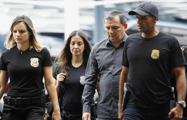 Polícia Federal prende ex-chefe da Casa Civil do governo Cabral e cumpre outros mandados de prisão