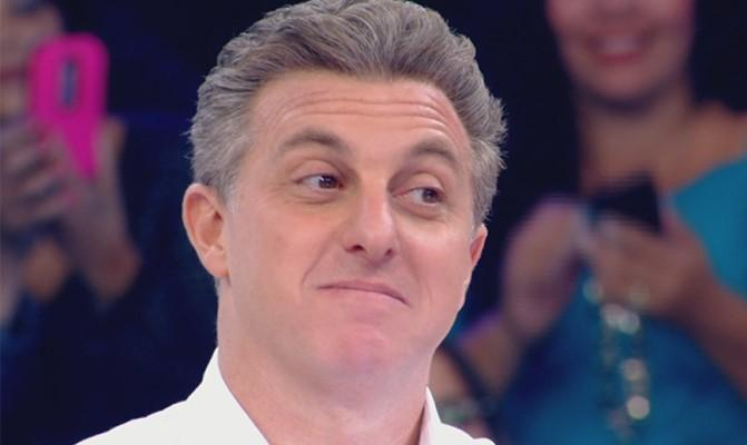 Luciano Hulk desiste de candidatura a presidência