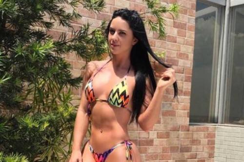 Graciele Lacerda derrapa no português, leva bronca e se irrita com fãs