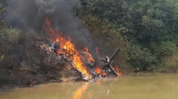 Avião cai, explode e mata três pessoas em Itaituba, no PA